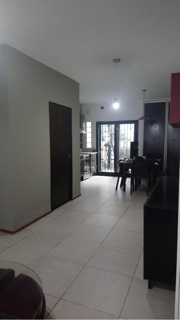 Casa en Barrio San Pedro con 2 habitaciones