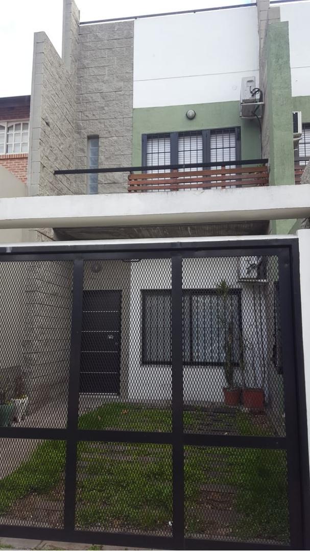 Casa en Venta - 3 ambientes - USD 245.000