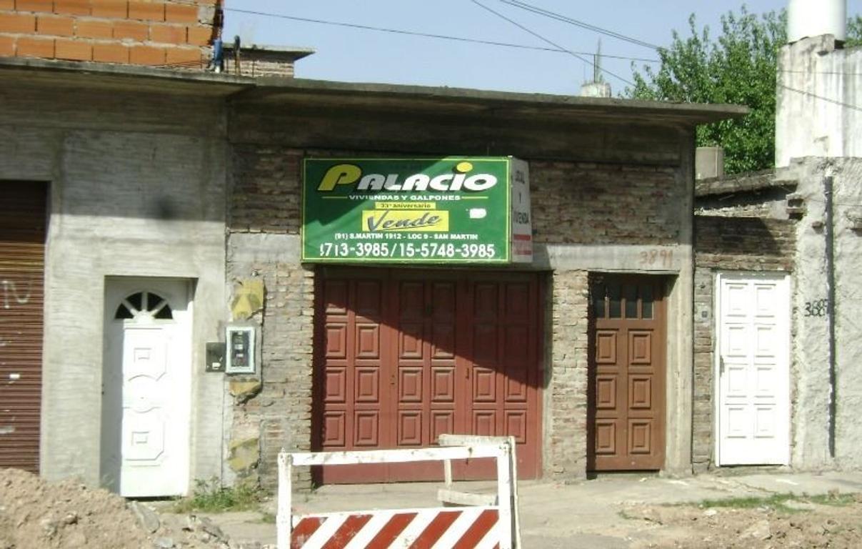 2 LOCALES EN PH C/OFICINA Y BAÑO. 2 PISOS. DEPÓSITO.