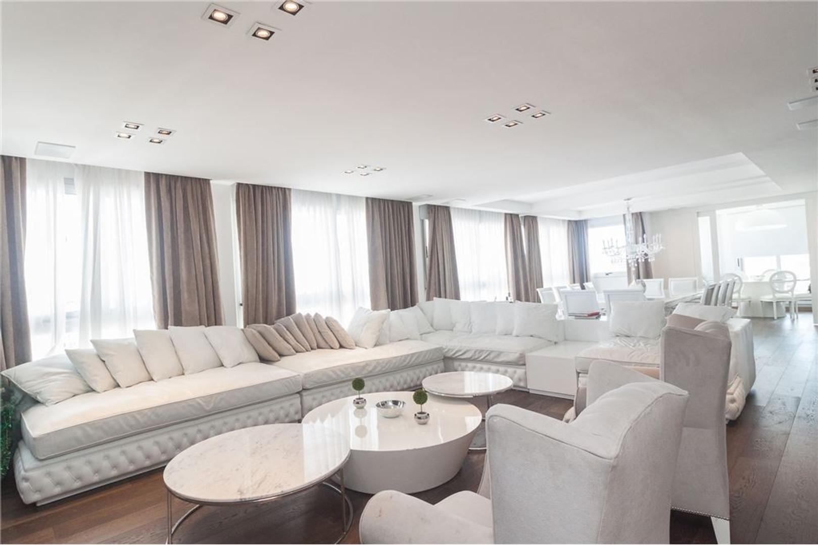 IMPONENTE  piso   5 AMBIENTES + Habitacion de serv