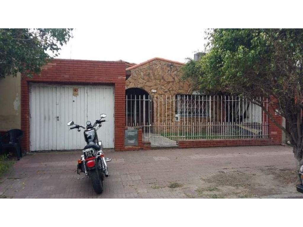 Casa en venta en albarracin 2732 remedios de escalada argenprop - Apartamentos en albarracin ...