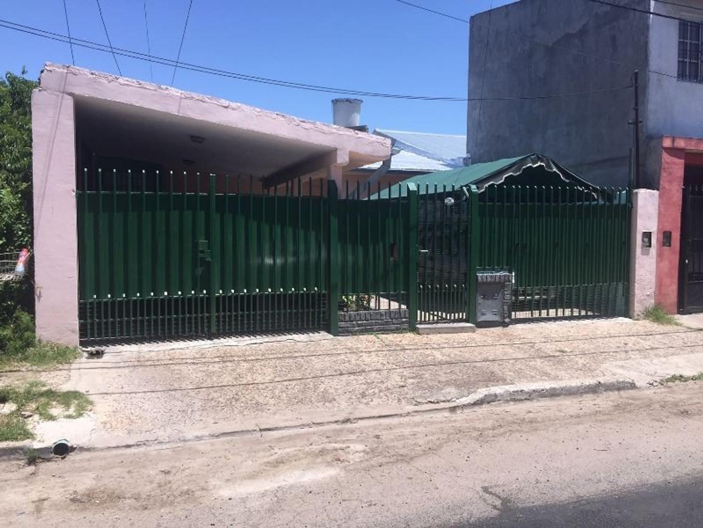 Casa 3 Amb con Departamento 2 Amb. en Venta San Miguel