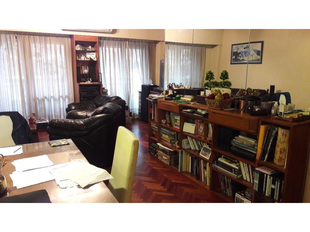 Precioso 4 ambientes con dependencia, dormitorio en suite con vestidor, balcon, baulera y cochera