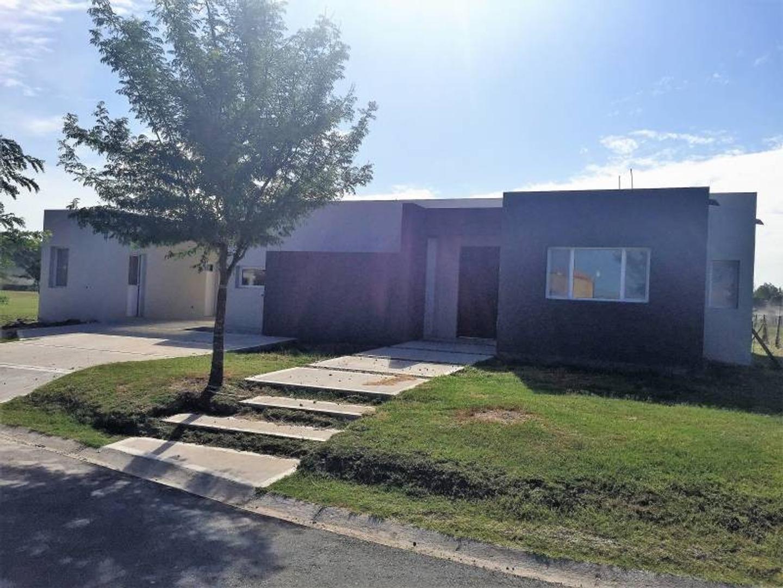 Casa en Venta - U$S 225.000 - EL Canton Islas