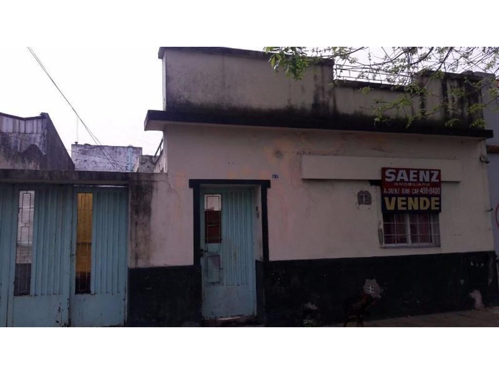 CASA FAMILIAR // 3 DEPARTAMENTOS // OPORTUNIDAD