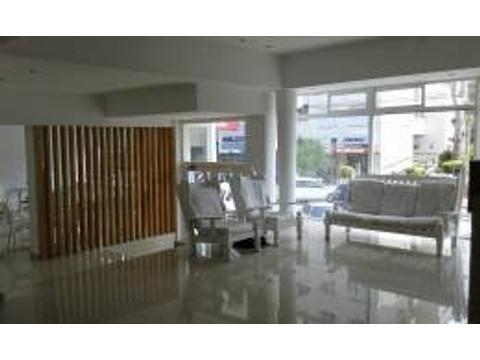 Vendo Hotel Pinamar c/ local Bunge y Libertador Excelente Estado