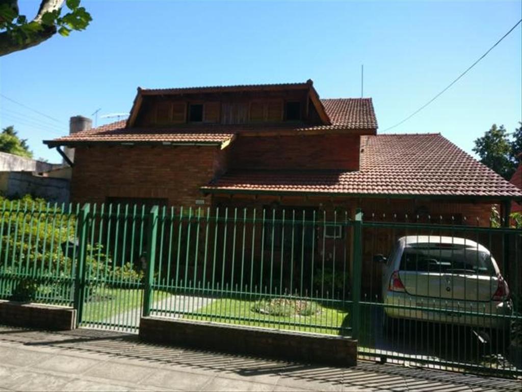 Casa 5 amb Jardin Pileta Garage Parrilla excelente estado.