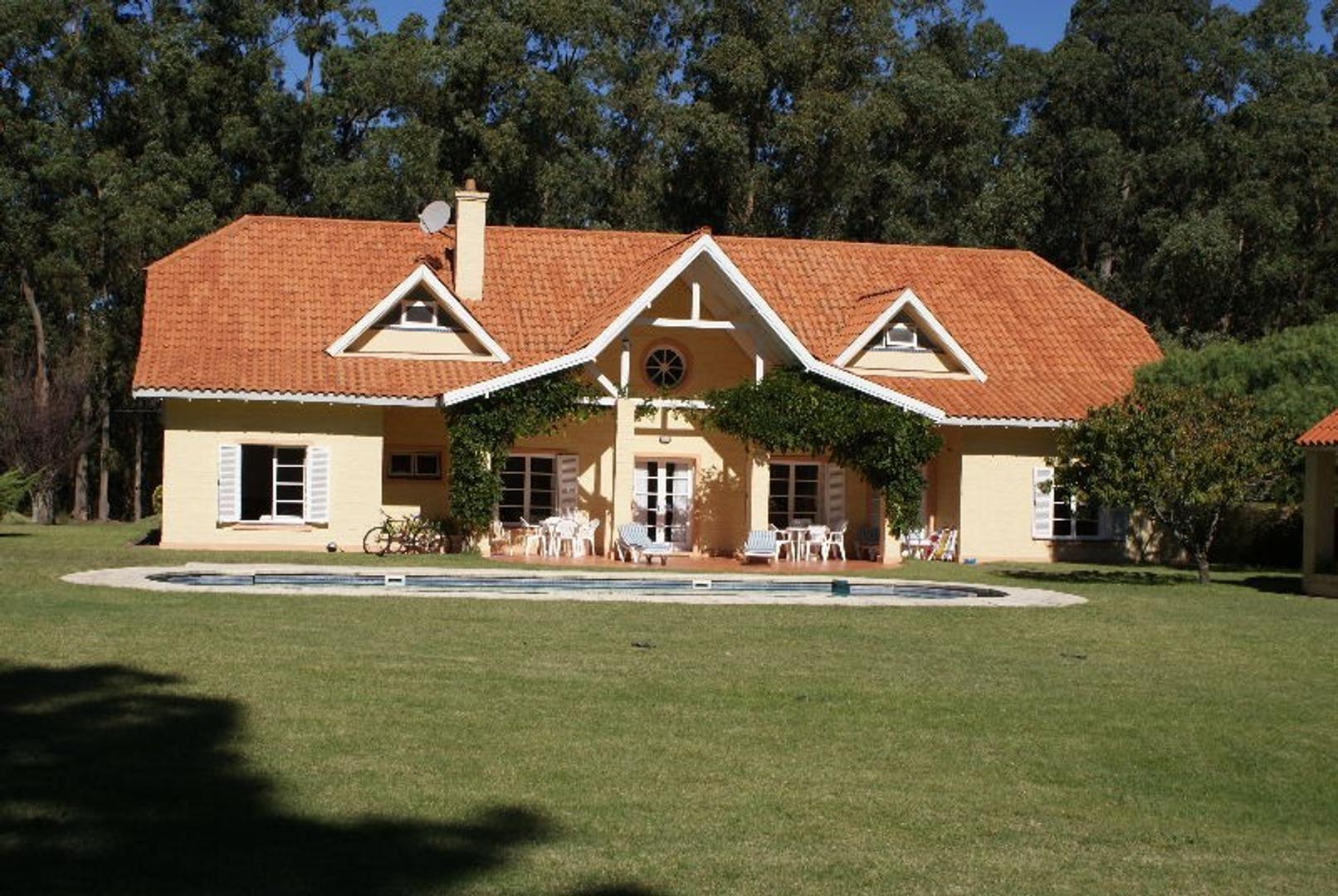 Casa en Venta en Punta del Este - 8 ambientes