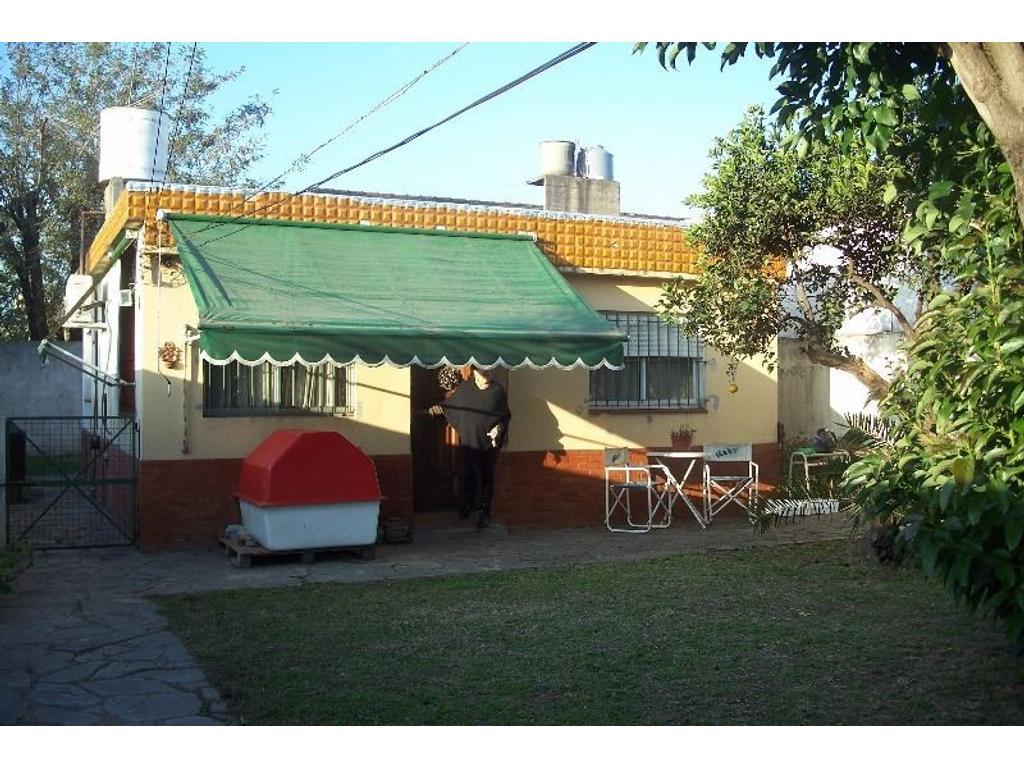 Muy buena casa en PH. Excelente ubicación. A 8 cuadras de la estación de Moreno