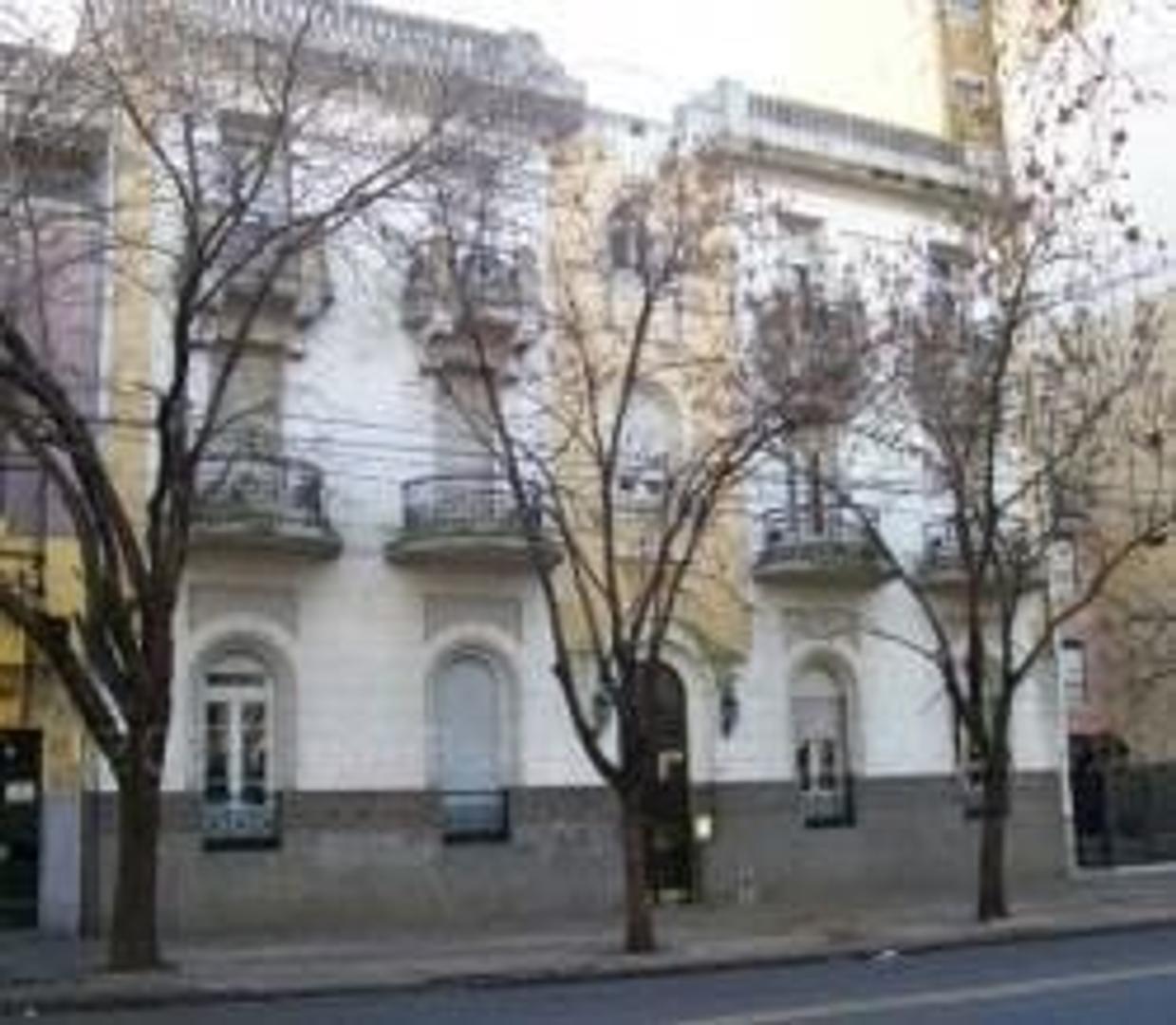 Departamento en Venta - 9 ambientes - USD 295.000