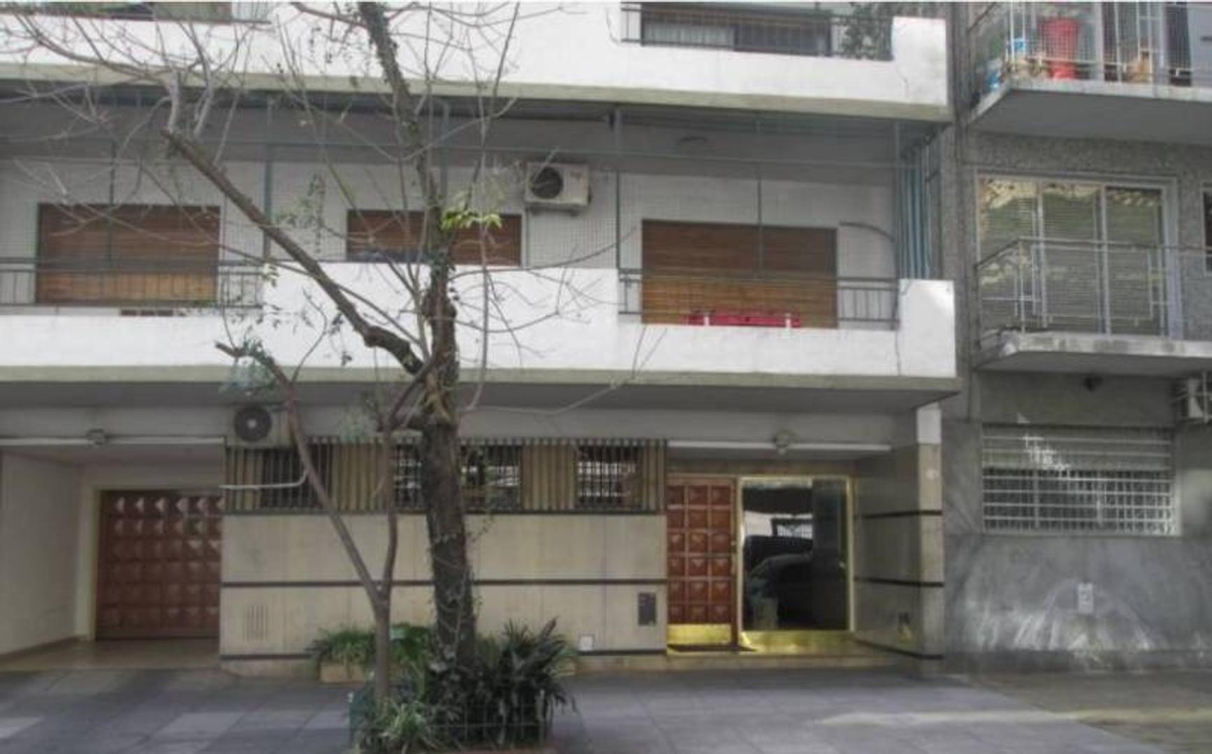 DEPARTAMENTO EN VENTA-145 M2 TOTALES-EXCELENTE 4 AMBIENTES C/DEPENDENCIA-COCHERA Y BAULERA