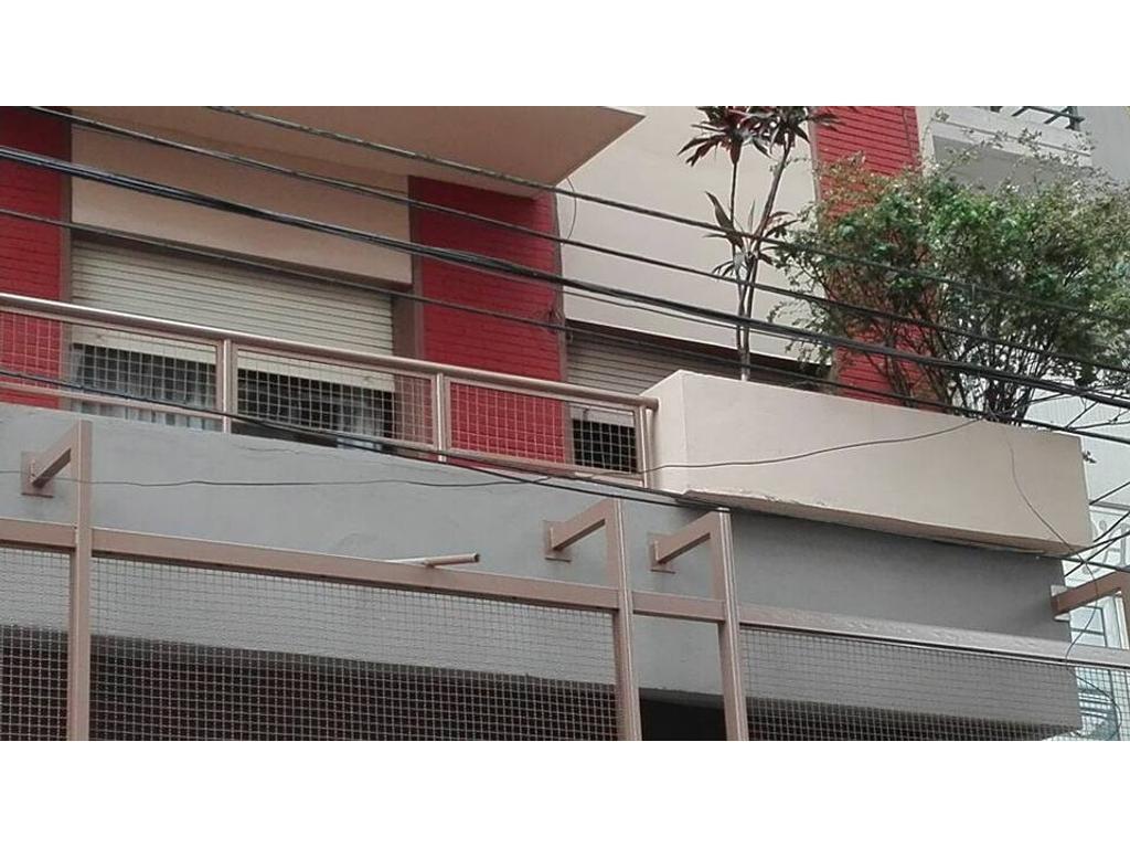Departamento de  3 Ambientes c/dependencia y patio