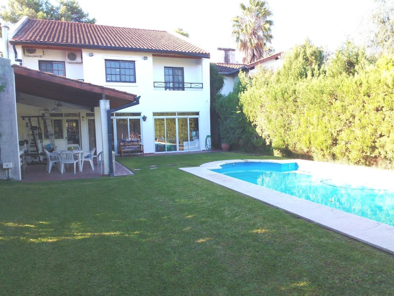 Casa en Venta en Aranjuez - 6 ambientes