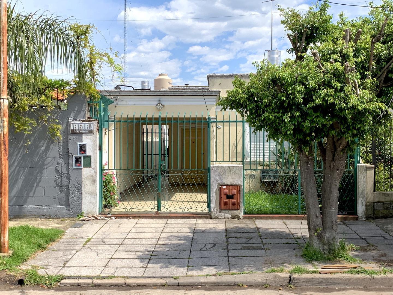 Casa en Venta en Barrio Don Bosco - 4 ambientes