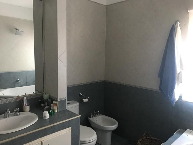 Casa en Venta en Olivos Vias/Maipu