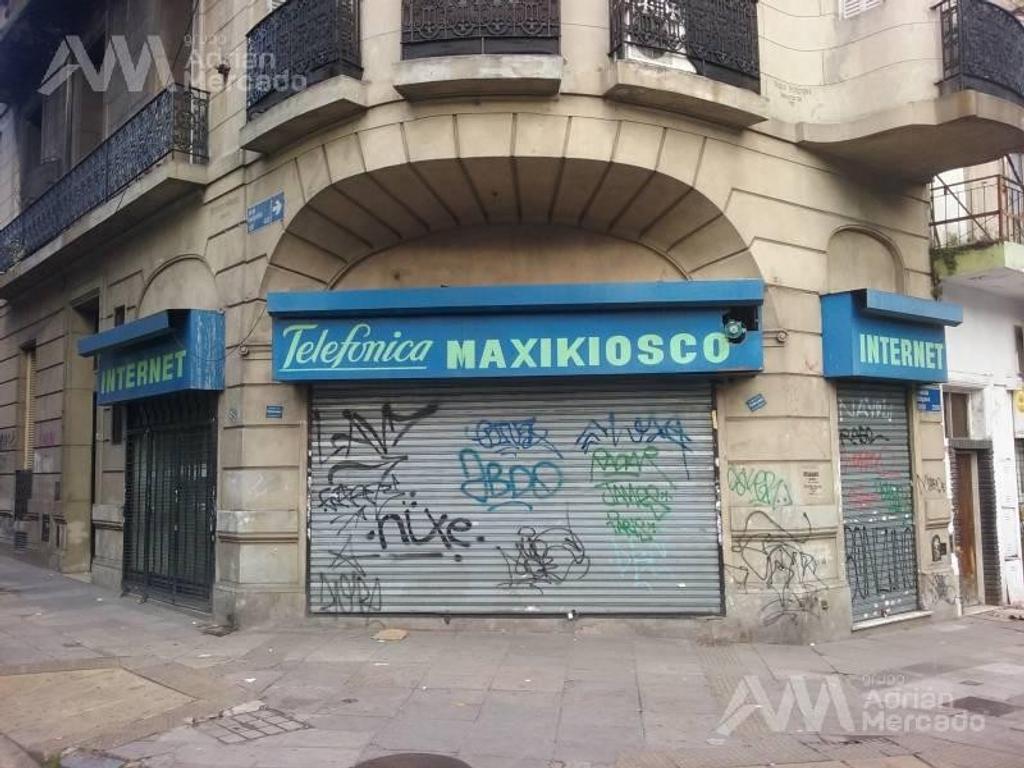 Situado sobre avenida Belgrano, con gran afluente vehicular, zona comercial y barrial,  - Balvanera