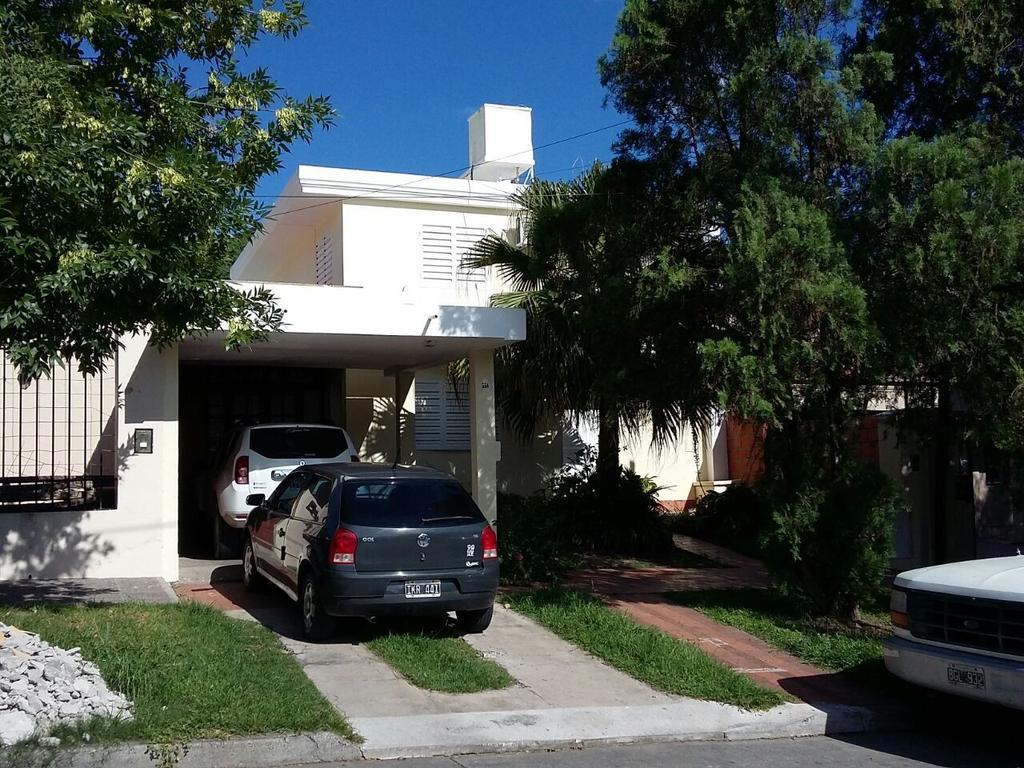 Casa en venta B° Tres Cerritos, Los Jazmines 554