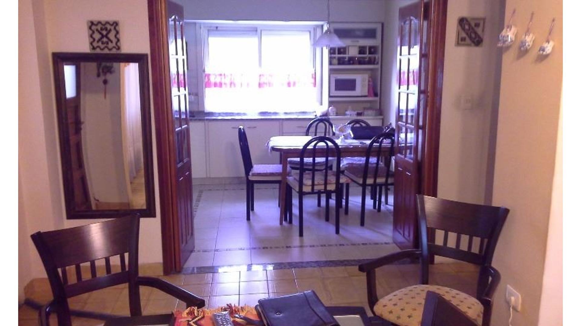 Casa apta para 2 familias Ideal inveros (Alquilada)
