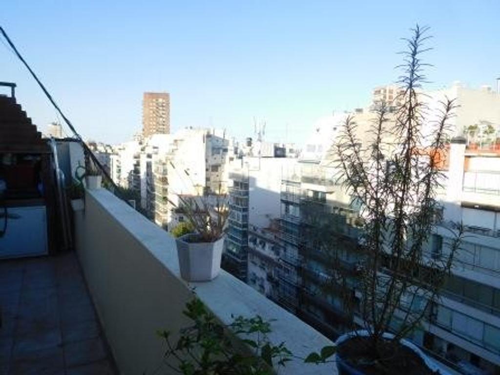 Dos ambientes con balcón aterrazado con parrilla y mucho sol! en plena Recoleta