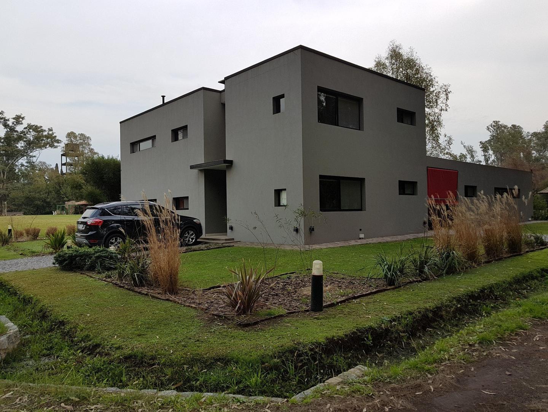 Casa en Venta en La Arbolada - 6 ambientes