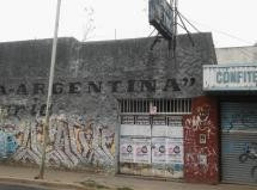 U$S400.000 lote centro Berazategui calle 16 y 148