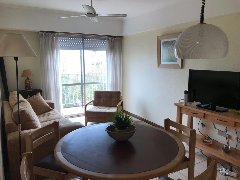XINTEL(RUP-RUP-176) 2 Ambientes con balcon y cochera Macrocentro Mar del Plata