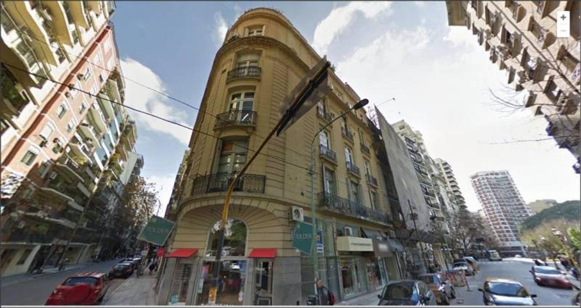 Piso de Oficina o Consultorio frente a Plaza Vte Lopez Recoleta
