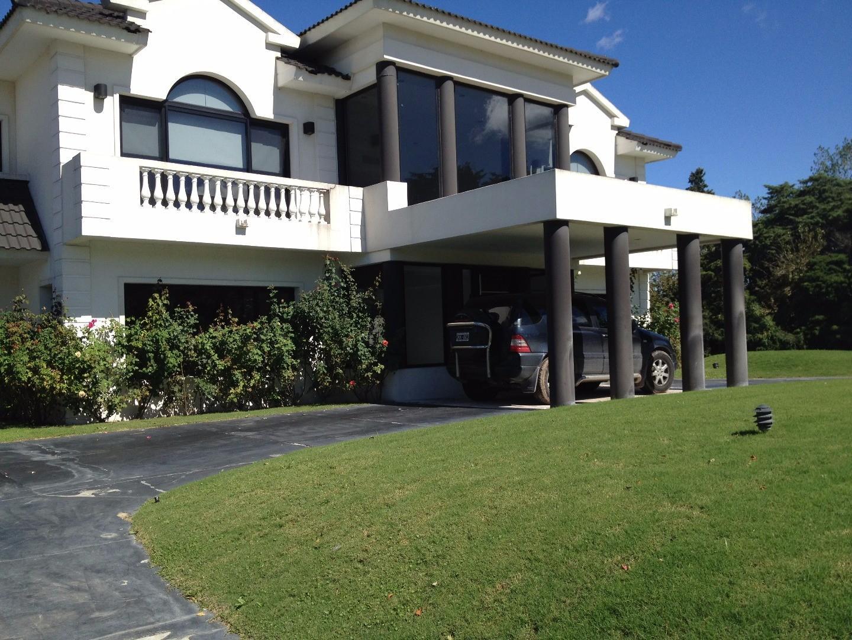 Casa en Venta en Grand Bell - 5 ambientes
