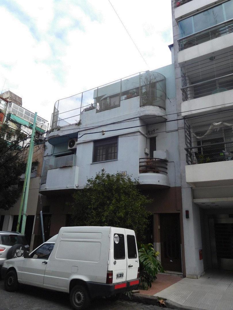 caballito depto tipo PH, 3 dormitorios, 2 bños, 2 toilettes, quincho con parrilla, terraza, balcon,