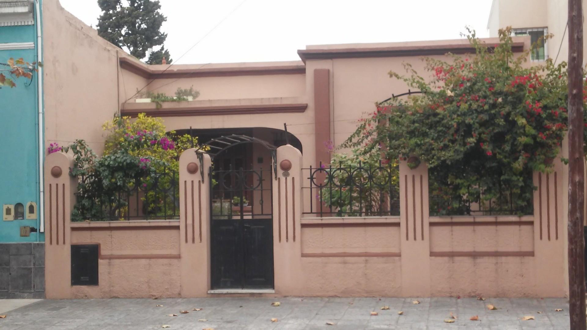 Casa en Venta en Sarandi - 3 ambientes