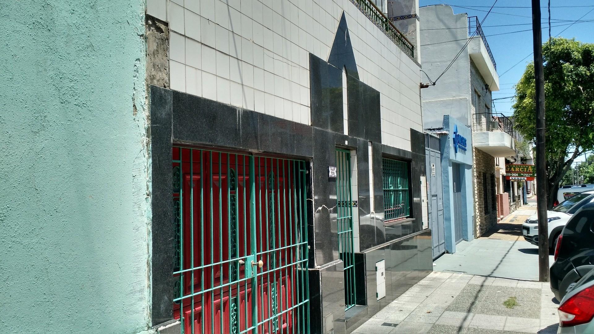 Casa de 3 amb amplios con garage y terraza libre Apta credito!