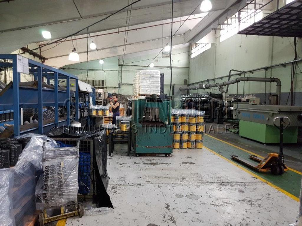 1.150M de Depósito/Planta industrial en Complejo Industrial. Zona de San Martín-