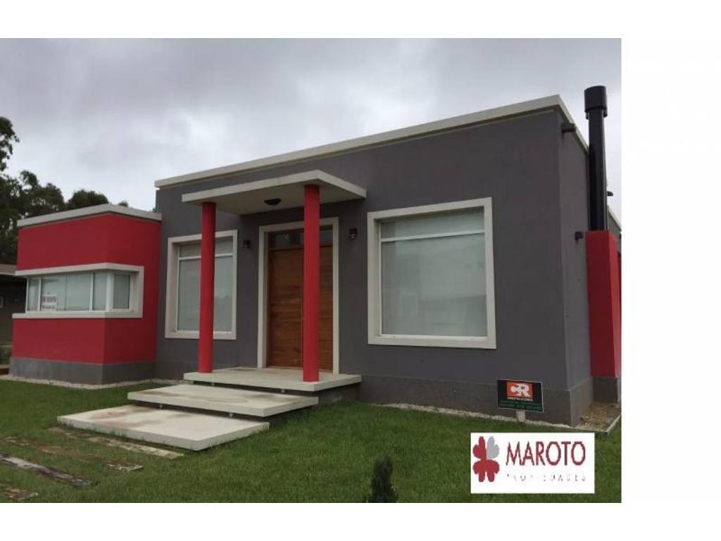 Costa Esmeralda - Casa en venta en barrio Golf 2 - Cuotas - Permutas.