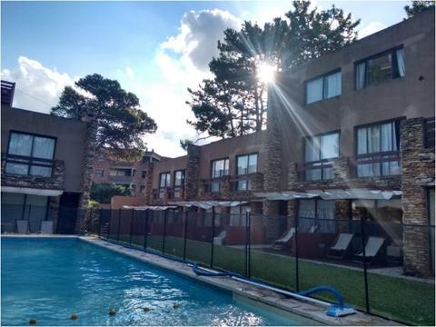 Venta Condominio Appart  en Pinamar de 10 deptos con piscina lote 30x40