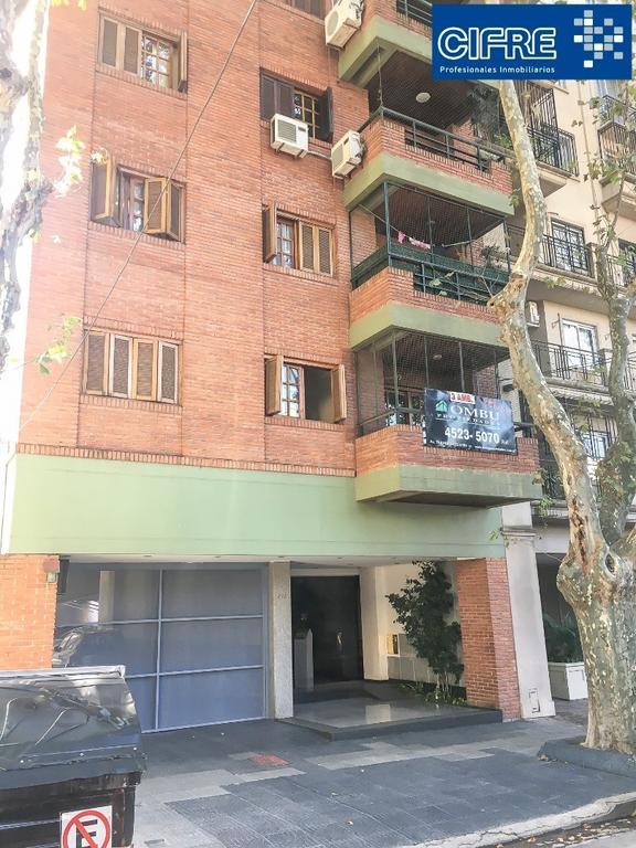 Departamento de 3 ambientes al frente con balcon - Suc Urquiza 4521-3333