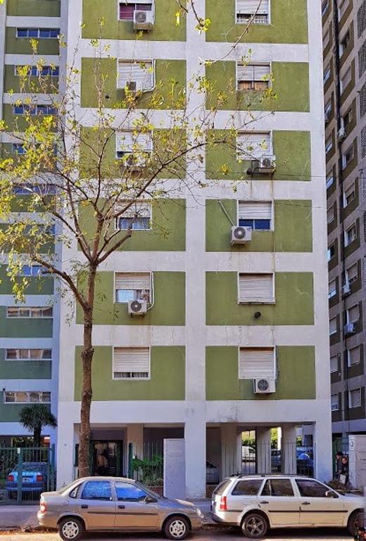 Muy lindo departamento piso 8 lateral