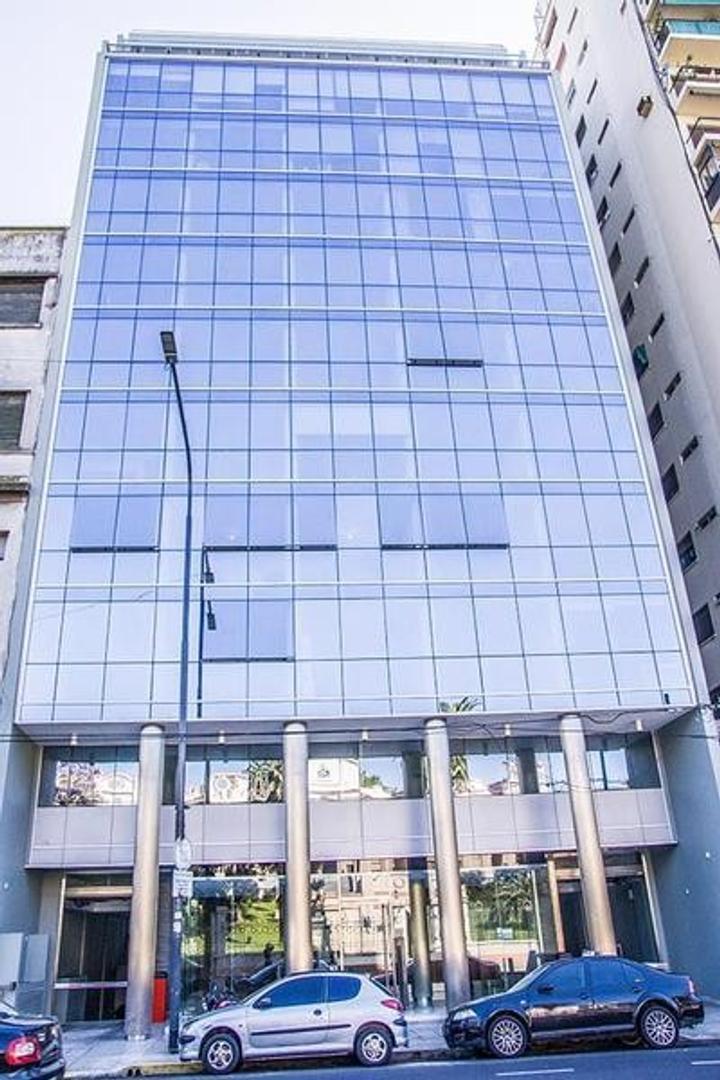 2  Dptos comunicados entre si con 4 oficinas/consultorios en Edificio Premiun