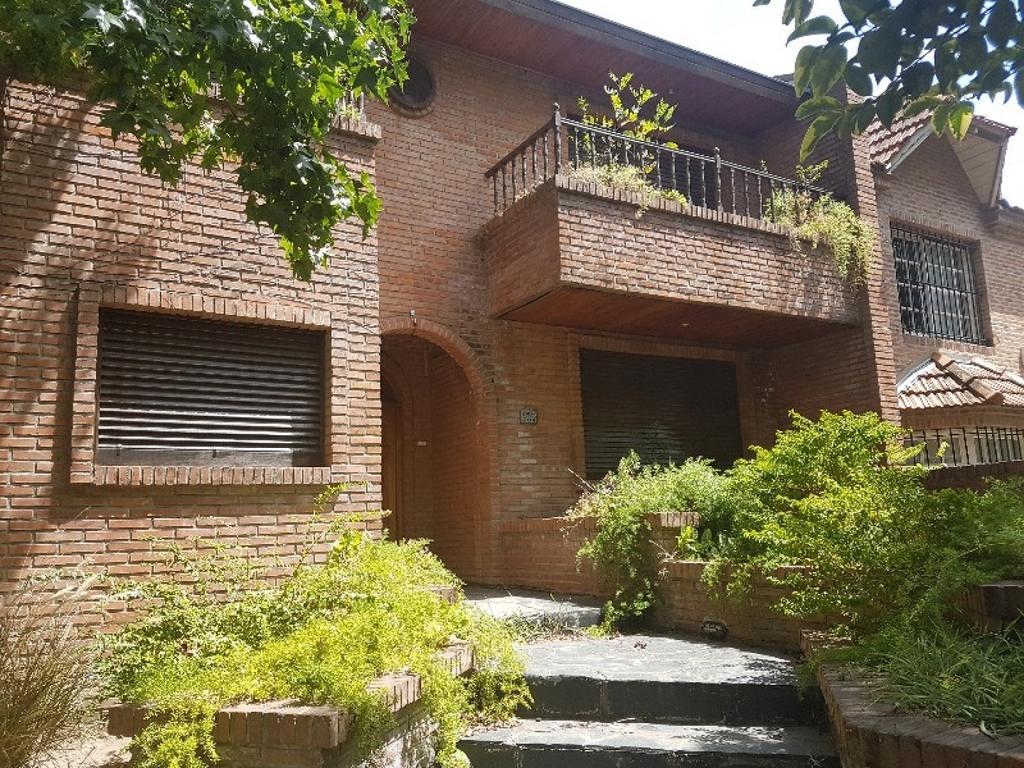 Casa en venta en La Merced  3 dormitorios - 3 baños - Garage