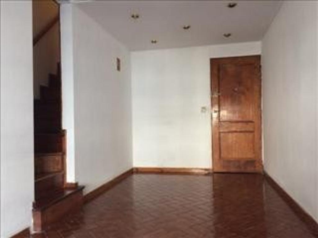 Departamento tipo casa en Venta de 2 ambientes en Capital Federal, Villa Luro