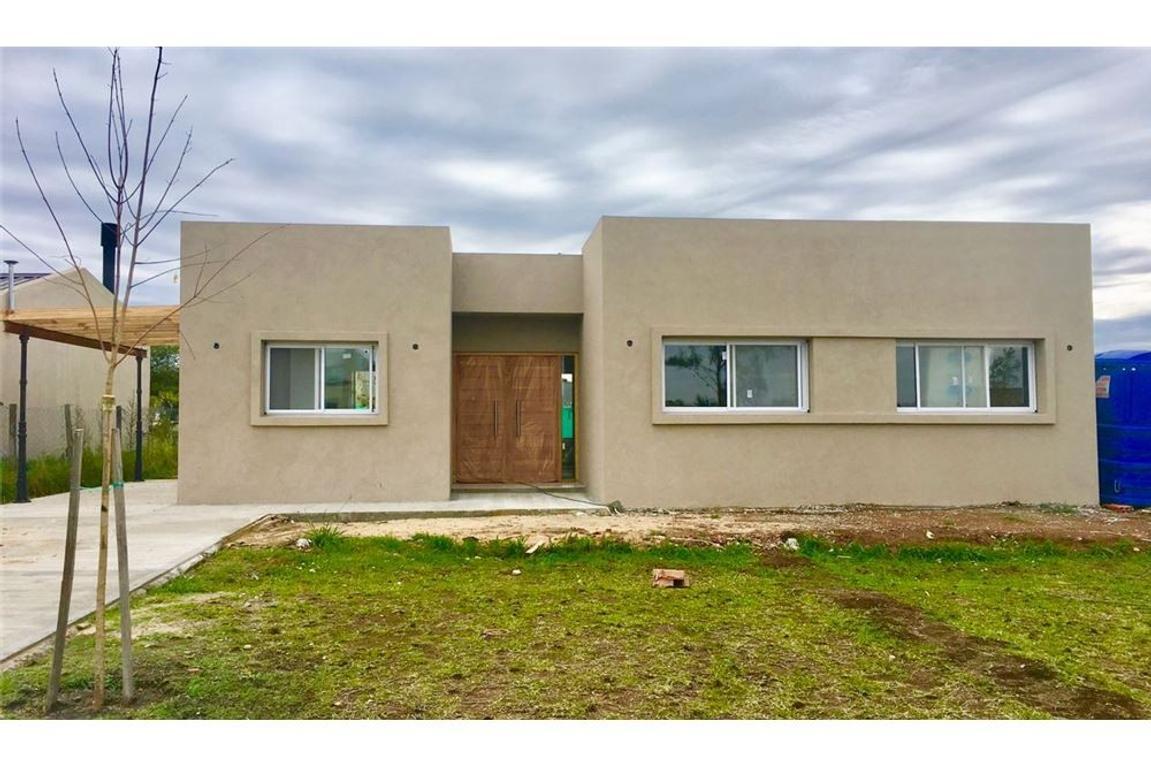 Casa en venta en Pilar del Este-San Eduardo