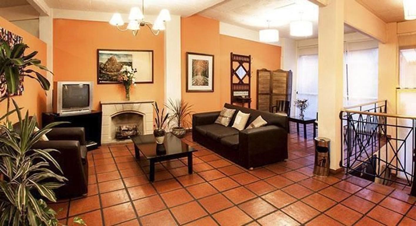Excelente Hotel por estilo y ubicación en el barrio de San Telmo. Excelente estado..