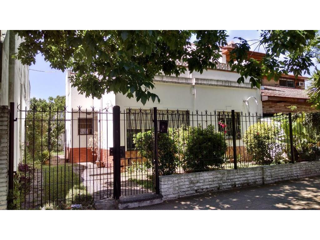 Casa en venta en buenos aires 5500 villa ballester for Jardin belen villa ballester