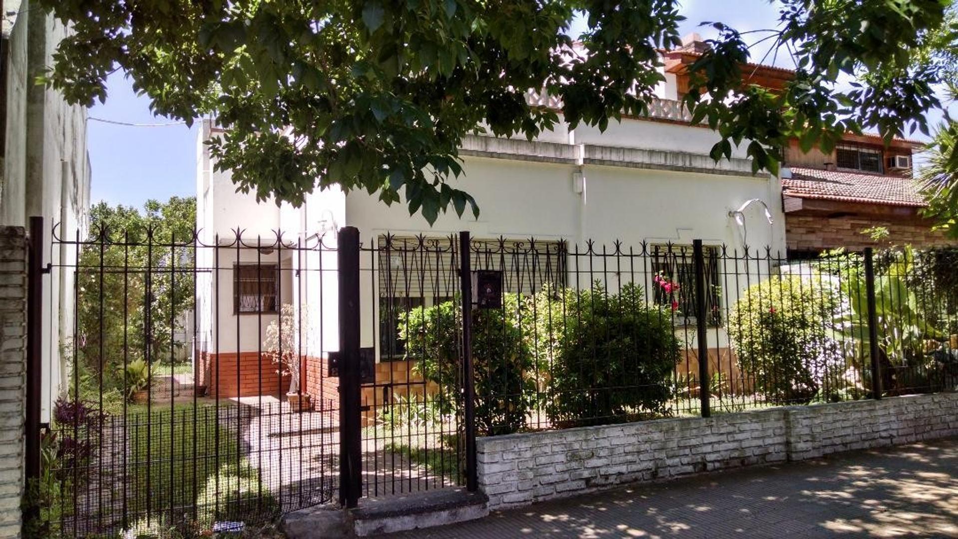 Casa en Lote Propio 10 x 20 en Excelente Zona