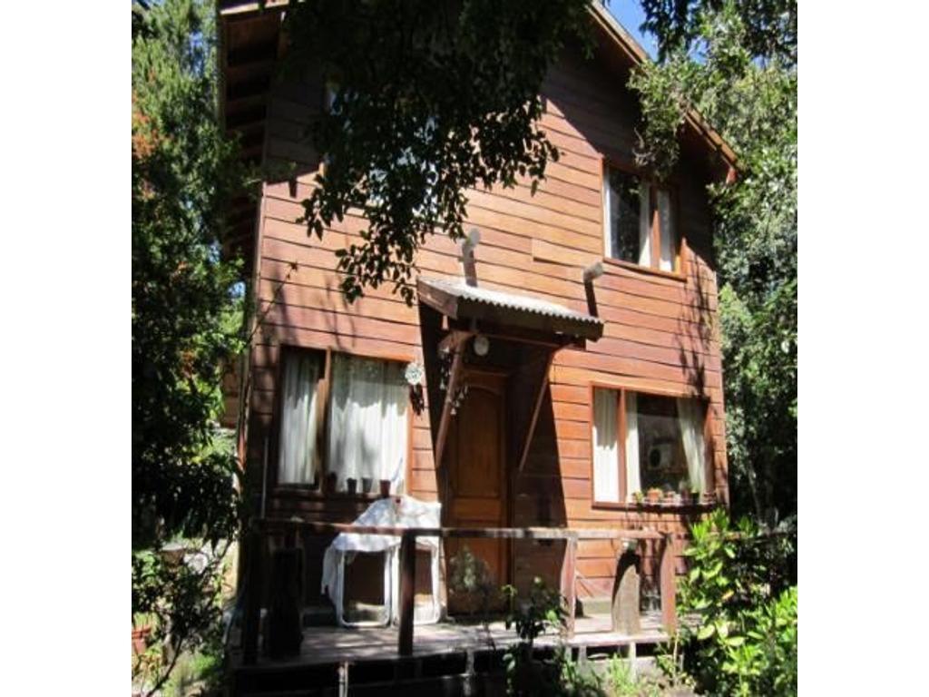Casa 4  ambientes y dependencia de servicio en Venta. Villa La Angostura