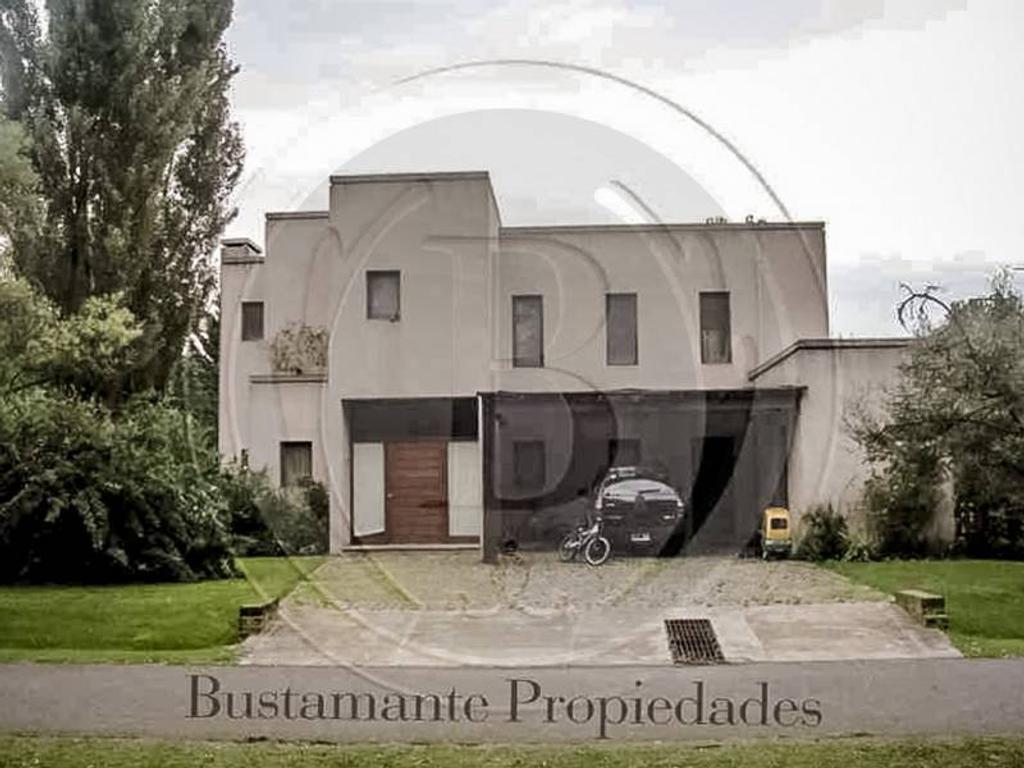 Bustamante Propiedades - Venta Casa en El Lucero