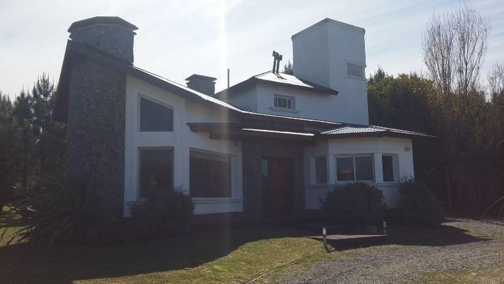 Casa en Venta en Costa Esmeralda - 5 ambientes