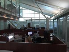 Excelente oficina de 300mts Sobre Av. Del Libertador - Puerto de Olivos