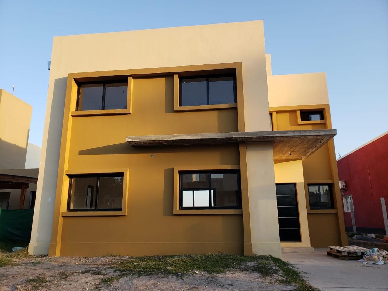 Casa en Venta en Tafi Viejo - 4 ambientes