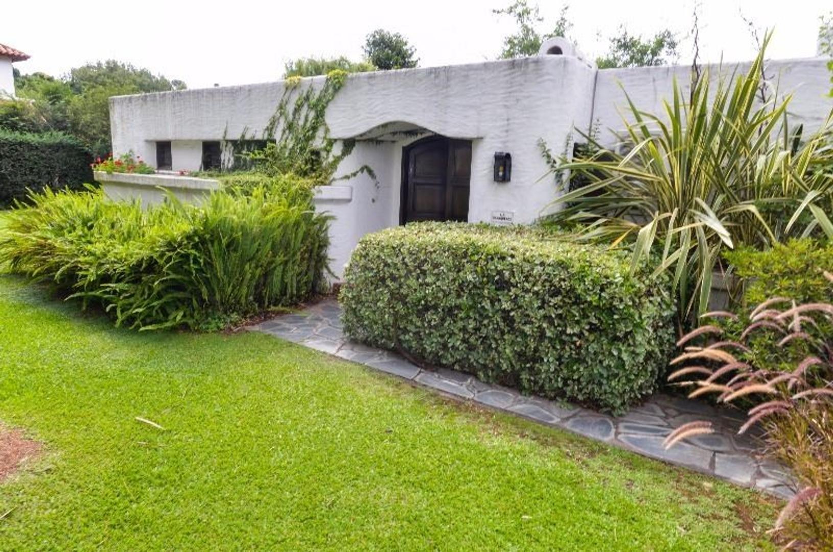 Casa en Venta en Las Lajas Country Club - 4 ambientes