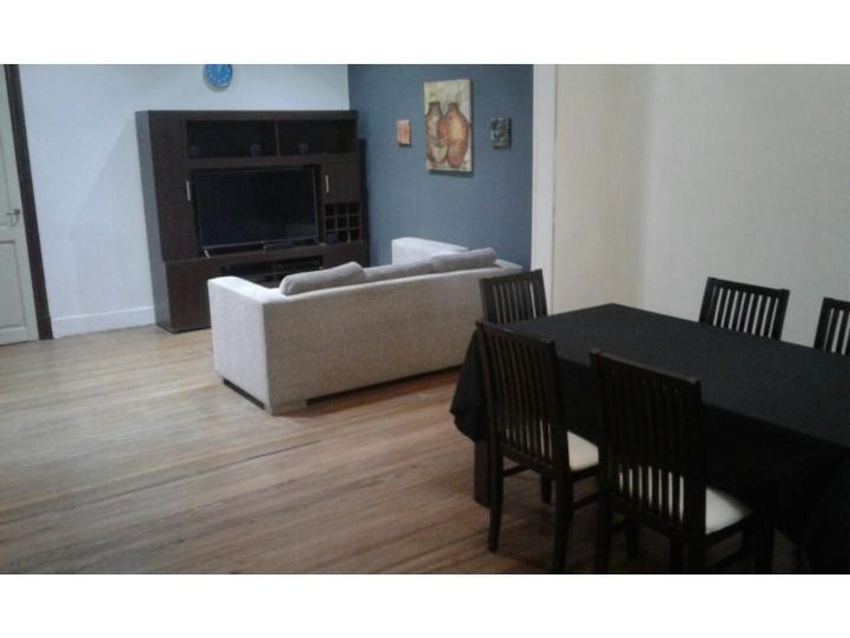 Rosario: Pueyrredon 1375 Casa 2 dormitorios en planta alta en macrocentro, apta credito. Santa...